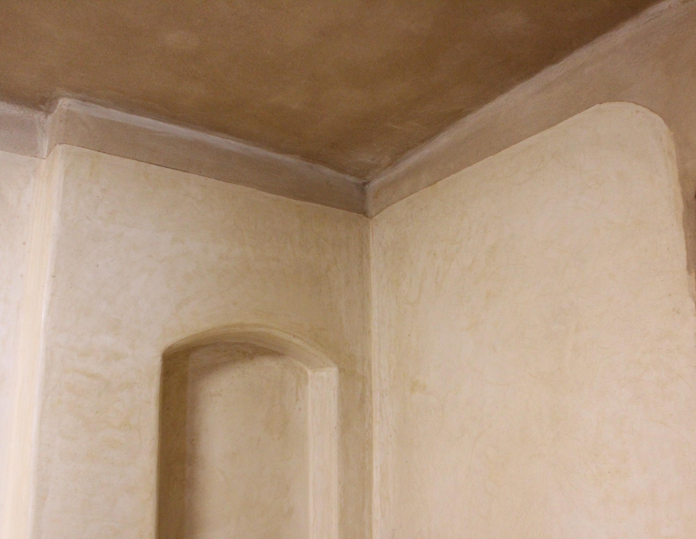 Vnitřní hliněné omítky rodinného domu vDolních Lukavicích.