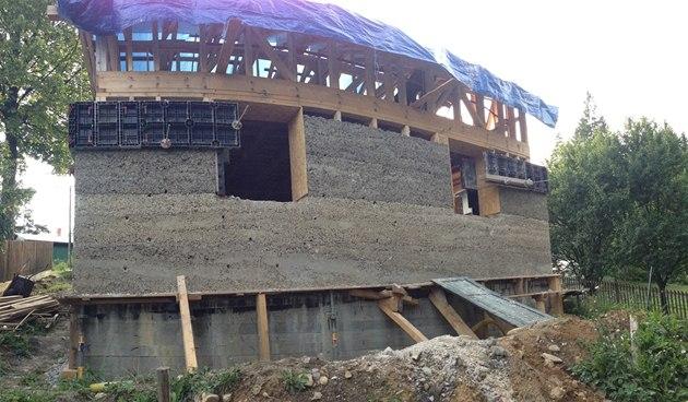 Dům zkonopného betonu